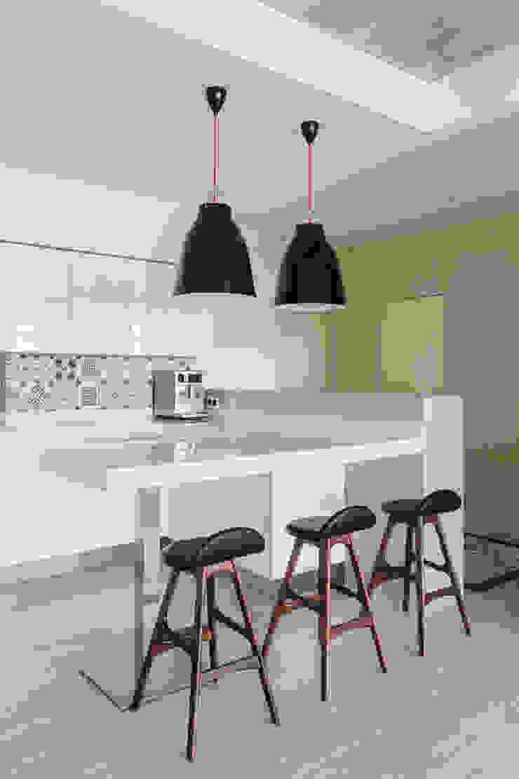 ЖК Авеню 77 Кухня в стиле минимализм от Бюро 19.23 Минимализм