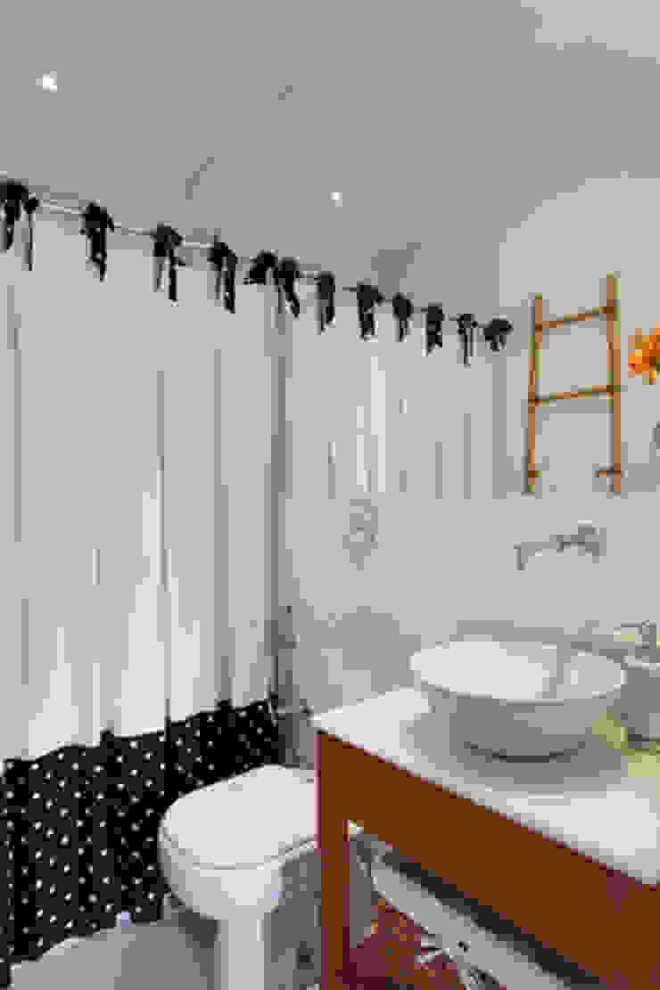 Apartamento Botafogo Banheiros modernos por Barbara Filgueiras arquitetura Moderno
