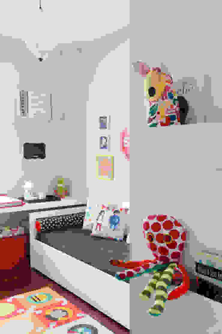 Apartamento Botafogo Quarto infantil moderno por Barbara Filgueiras arquitetura Moderno