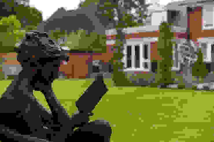 A contemporary Surrey garden Jardins modernos por Forest Eyes Photography Moderno