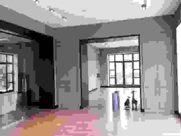Загородный дом в современном стиле Тренажерный зал в стиле модерн от ANIMA Модерн