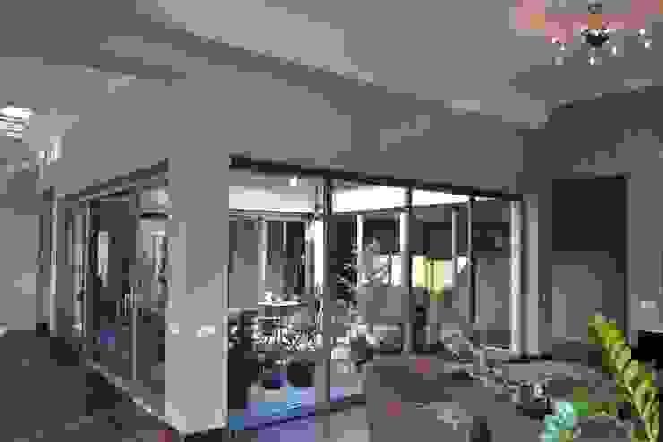 Autorskie Studio Projektu QUBATURA Modern windows & doors