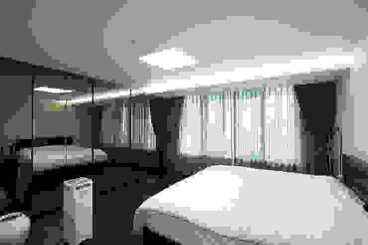 인천 부평 동아2단지 63평형: MID 먹줄의  침실,모던