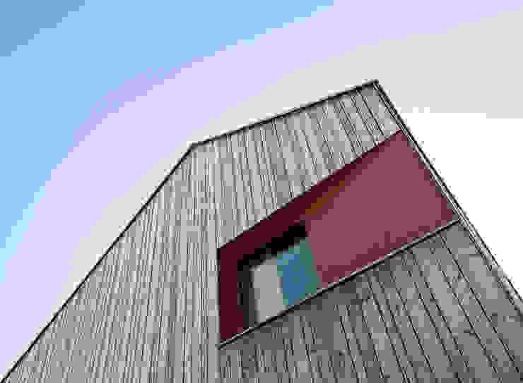 Skandynawskie domy od ArchitekturWerkstatt Vallentin GmbH Skandynawski