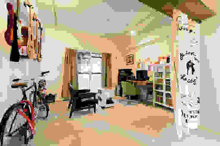 趣味の部屋 カントリーデザインの 多目的室 の 株式会社 アポロ計画 リノベエステイト事業部 カントリー