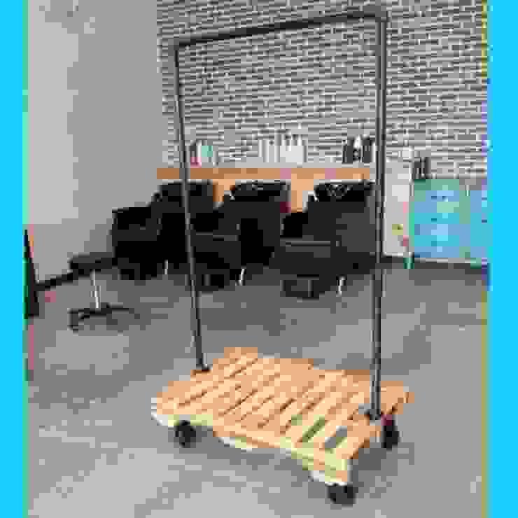 ด้านอุตสาหกรรม  โดย Home Loft Studio, อินดัสเตรียล