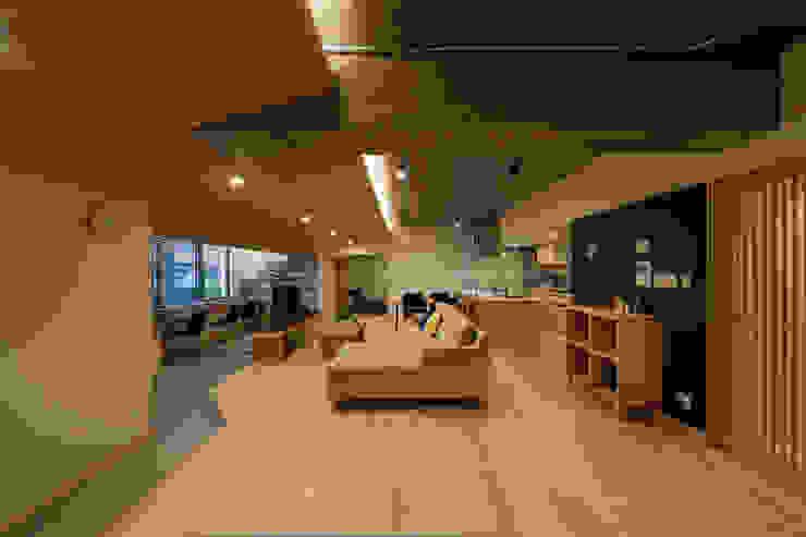 Living room by 株式会社 アポロ計画 リノベエステイト事業部, Modern