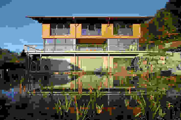 Wohnhaus in Marquartstein Moderne Häuser von Architekturbüro Schaub Modern