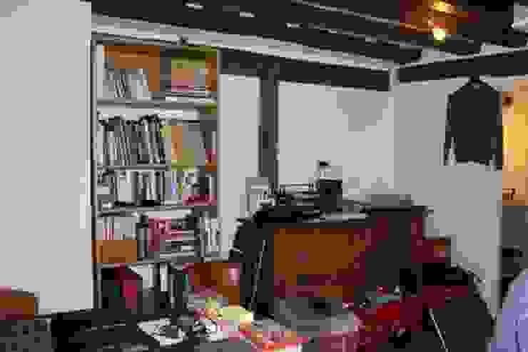 Appartement Pastourelle - Salon avant projet homify SalonEtagères