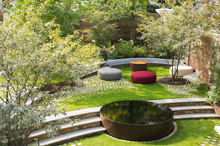 Bartholomew Landscaping design and installation of a London garden 根據 Bartholomew Landscaping 現代風