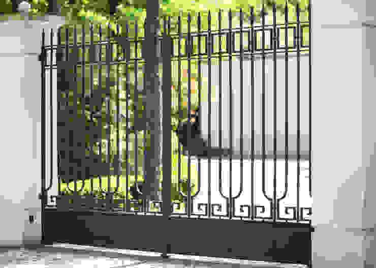 Brama wjazdowa kuta - wzór G269 ALMET.com.pl od ALMET Kowalstwo Artystyczne Klasyczny