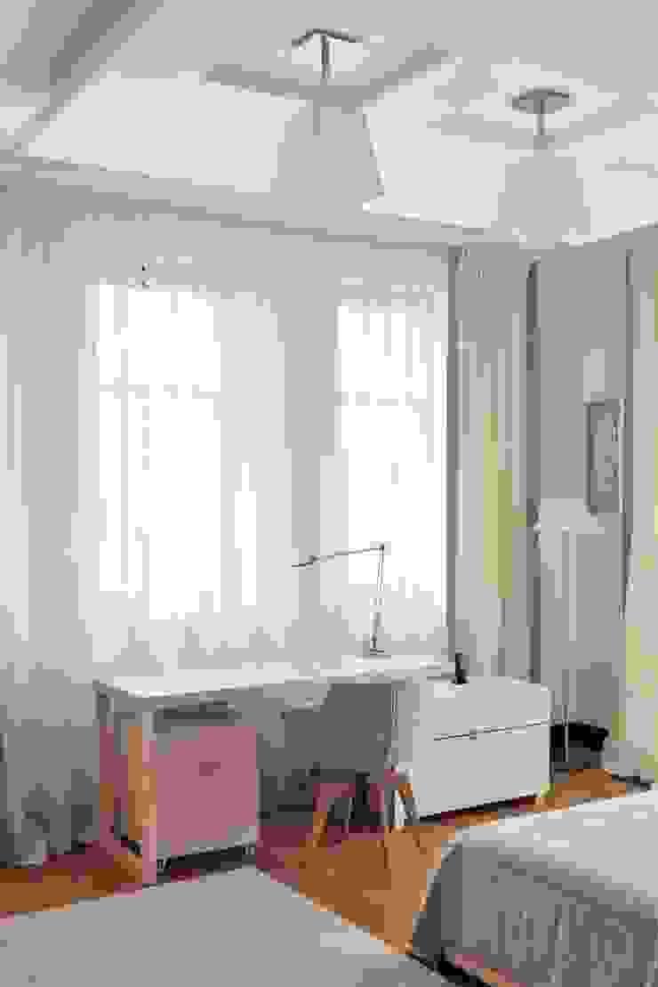 Загородный дом в современном стиле Детская комната в стиле модерн от ANIMA Модерн