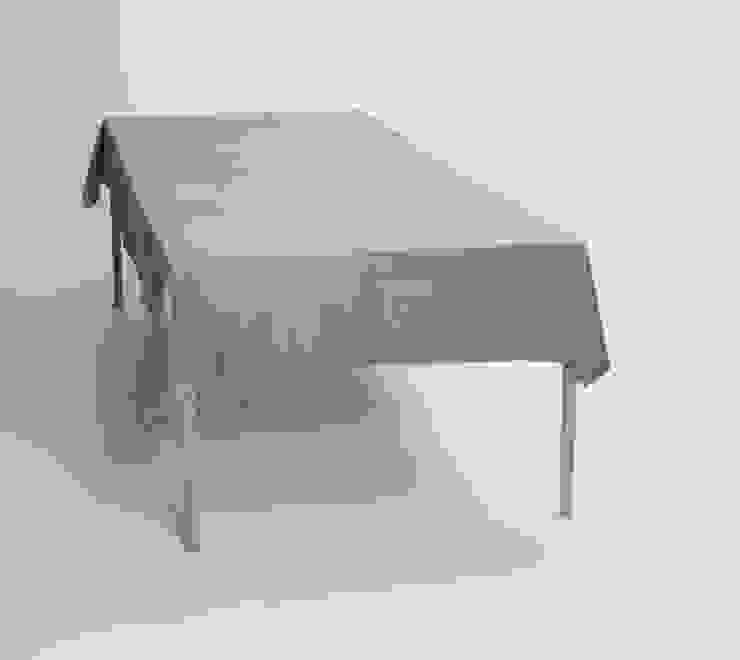 Tablecloth Night Table - Dark grey van Caro Heuts Scandinavisch