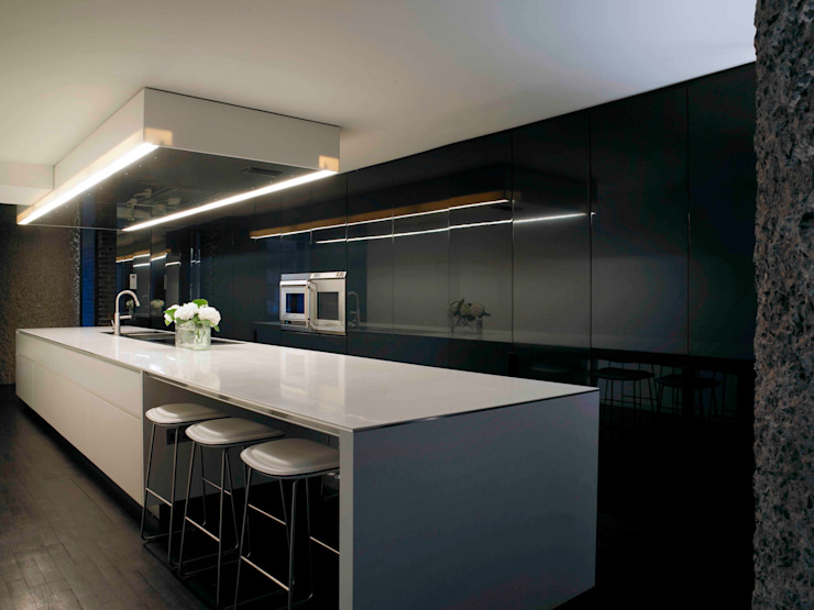 Apartment 60 Modern kitchen by Mackay + Partners Modern