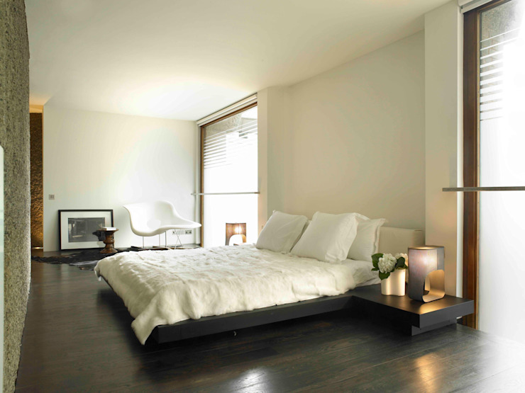Apartment 60 Modern style bedroom by Mackay + Partners Modern