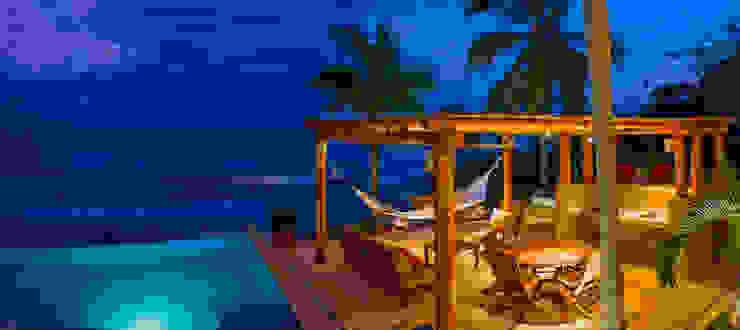 Villa Farallón 14 Balcones y terrazas tropicales de BR ARQUITECTOS Tropical