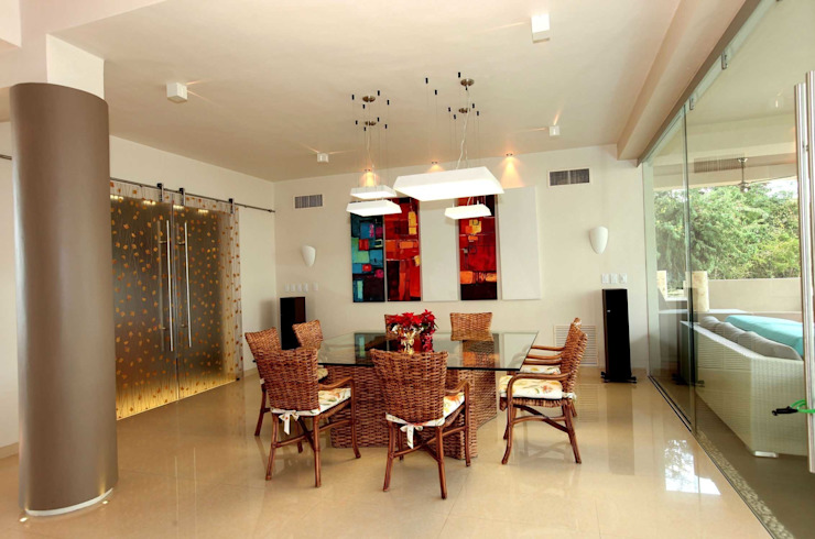 Modern dining room by AMEC ARQUITECTURA Modern