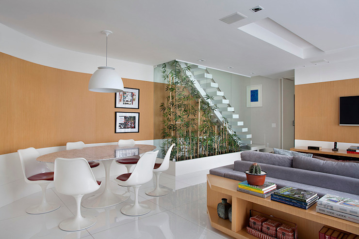 Living room by Cadore Arquitetura