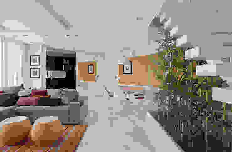 Comedores de estilo moderno de Cadore Arquitetura Moderno