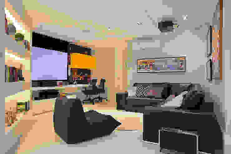 Cobertura Duplex Edificio Mandarim - Condomínio Peninsula Salas multimídia modernas por Cadore Arquitetura Moderno
