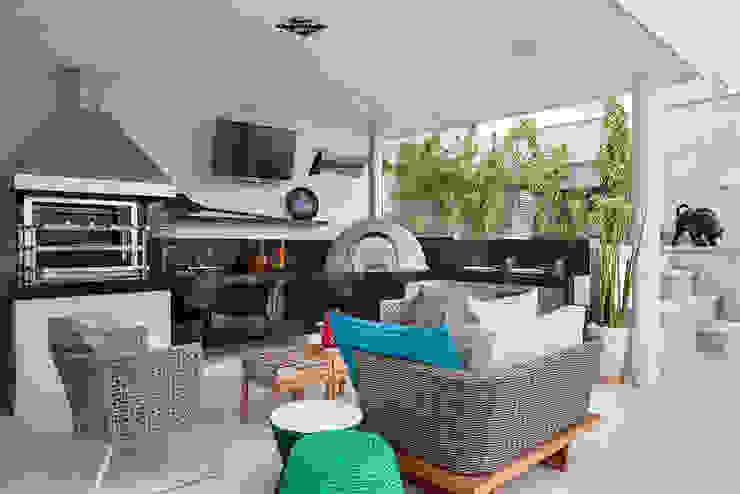 Balcon, Veranda & Terrasse modernes par Cadore Arquitetura Moderne