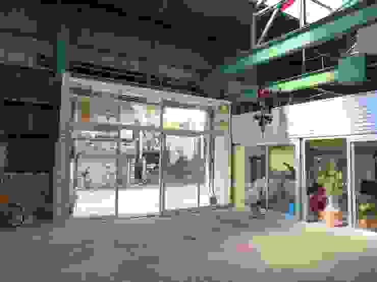 外玄関 オリジナルな商業空間 の アーテック・にしかわ/アーテック一級建築士事務所 オリジナル