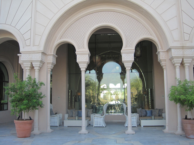 Residential (Royal) Palace at Qatar Doha Country style houses by TOPOS+PARTNERS Country