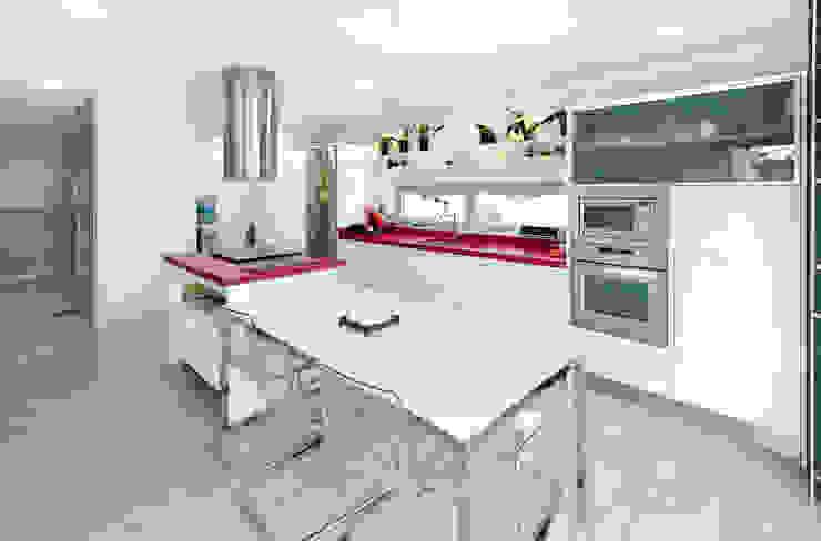 Cocinas de estilo minimalista de TOV.ARQ Estudio de Arquitectura y Urbanismo Minimalista
