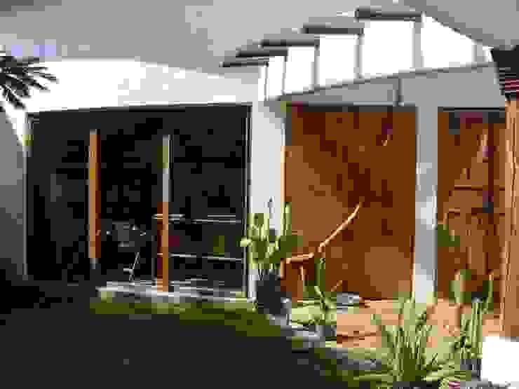 Cenquizqui Mediterranean style study/office