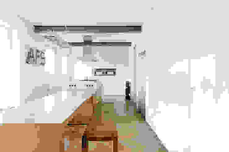 Nowoczesna kuchnia od Oliver Keuper Architekt BDA Nowoczesny