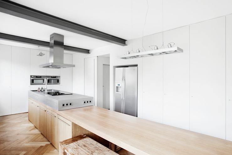 Modern kitchen by Oliver Keuper Architekt BDA Modern
