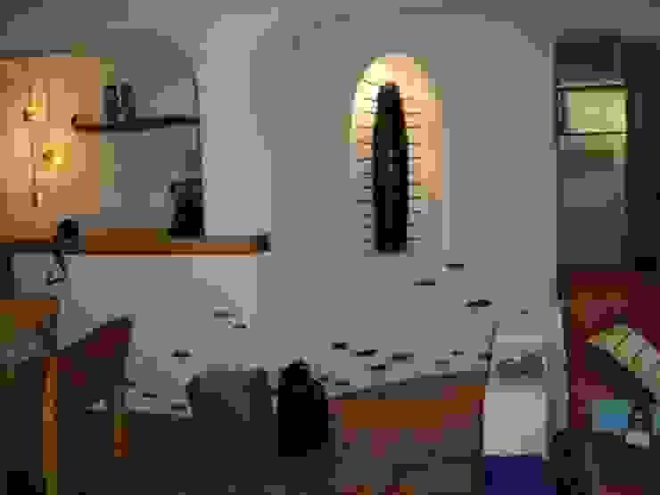 Pasillo interior de Casa Pasillos, vestíbulos y escaleras mediterráneos de Cenquizqui Mediterráneo