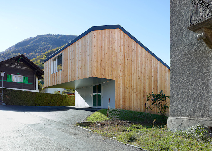 Modern houses by évéquoz ferreira architectes Modern