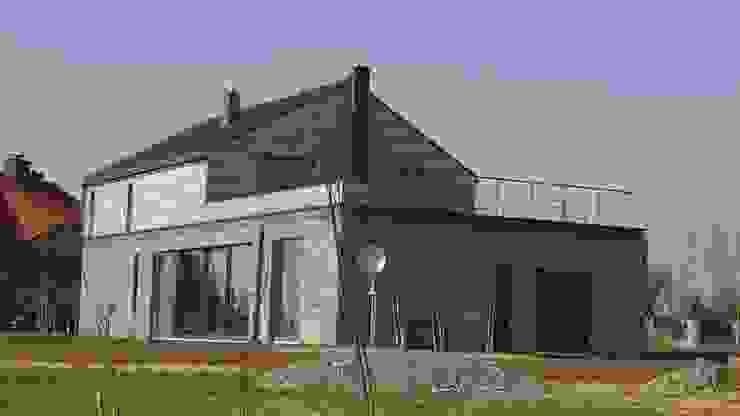 dom w Krakowie _5 od PRACOWNIA ARCHITEKTONICZNA BARTLOMIEJ K. SITARSKI Nowoczesny