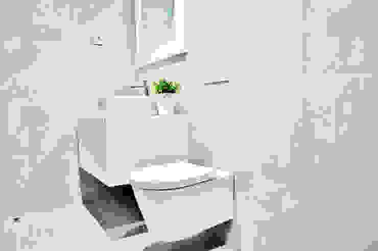 Estrela da Barra VIII Casas de banho modernas por Newimo Realtors Moderno