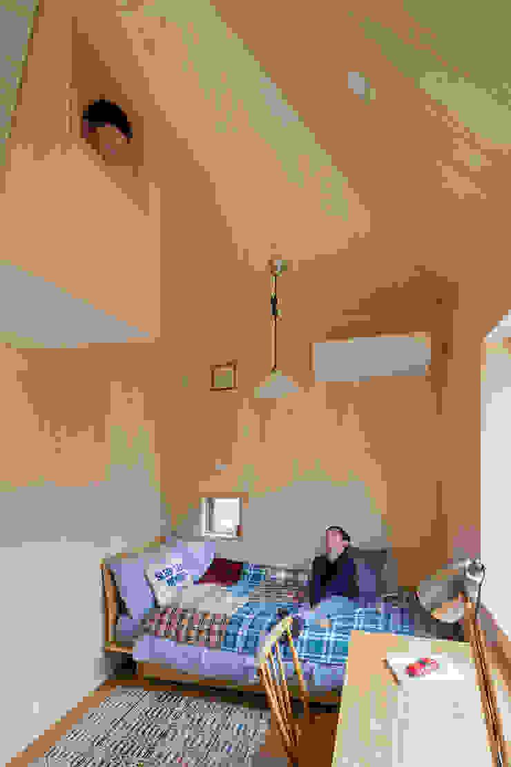 トンガリの家 モダンデザインの 子供部屋 の 株式会社リオタデザイン モダン