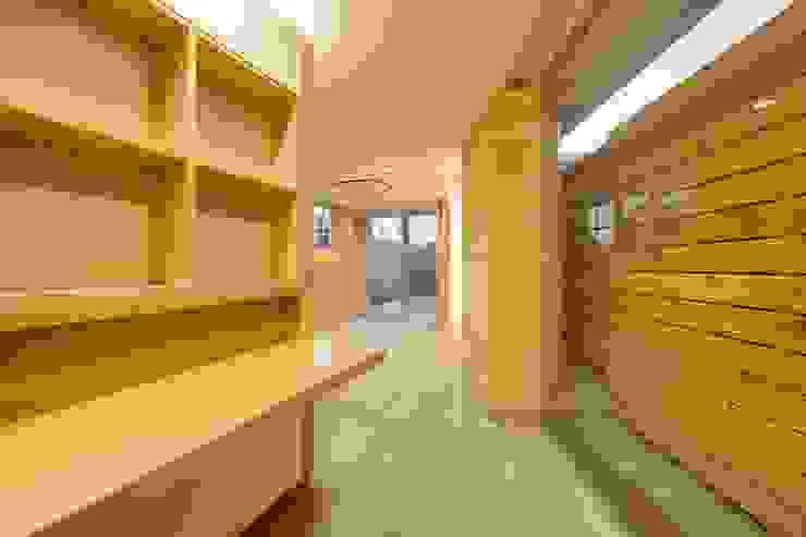 根據 仲摩邦彦建築設計事務所 / Nakama Kunihiko Architects 現代風