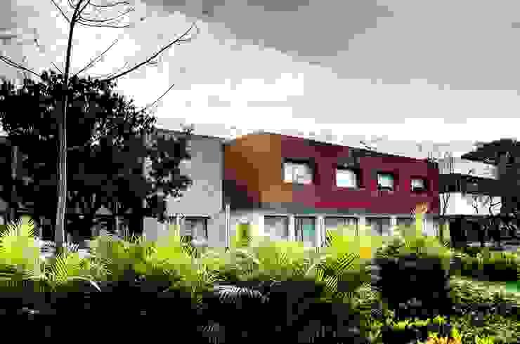 Modern Houses by ARKOT arquitectura + construcción Modern