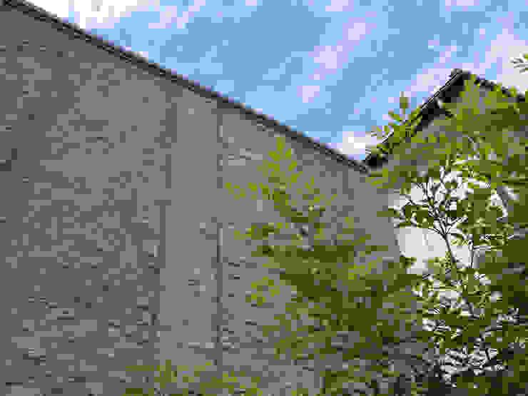 篠田 望デザイン一級建築士事務所 Дома в рустикальном стиле
