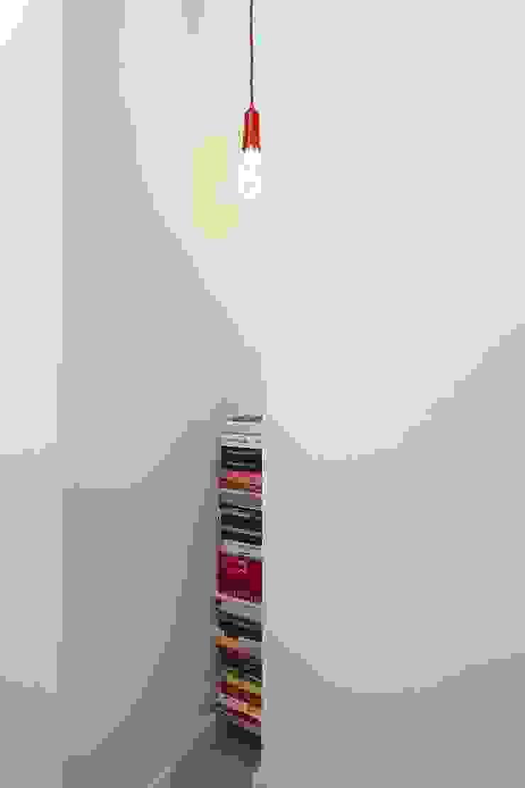 MIESZKANIE 75m2_WARSZAWA_ŻOLIBORZ Nowoczesny korytarz, przedpokój i schody od I Home Studio Barbara Godawska Nowoczesny