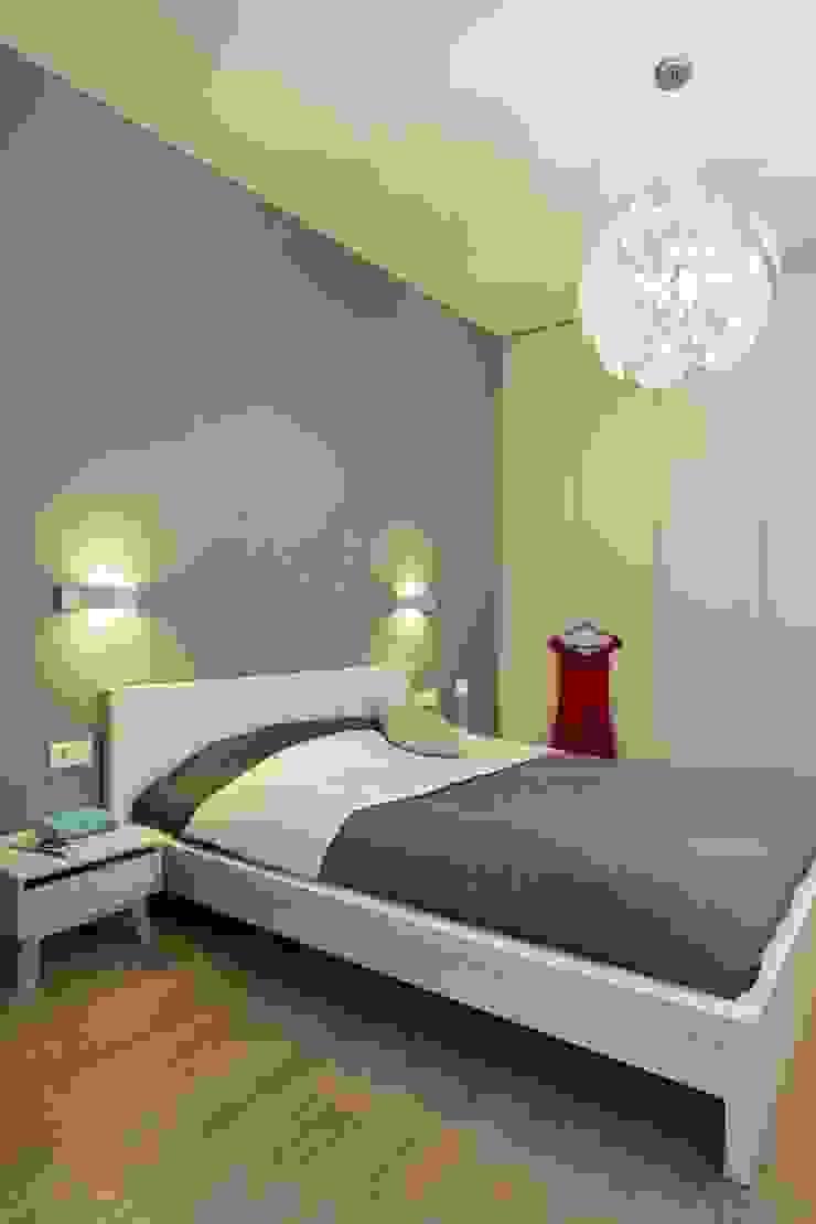 MIESZKANIE 75m2_WARSZAWA_ŻOLIBORZ Nowoczesna sypialnia od I Home Studio Barbara Godawska Nowoczesny