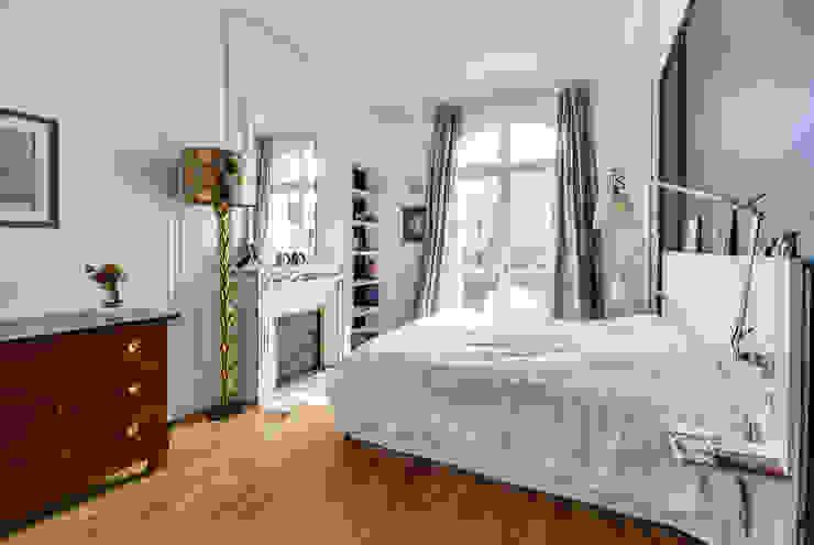 Chambre Chambre moderne par ATELIER FB Moderne