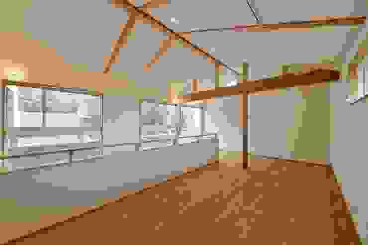 ワンフロアオープン アトリエdoor一級建築士事務所 モダンデザインの 子供部屋
