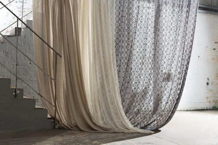 Galloway Sheers Collection por MYB Textiles Moderno