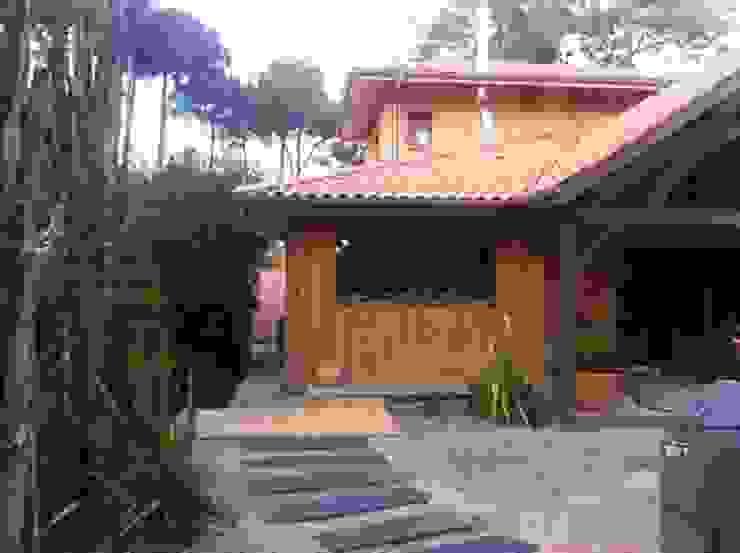 Casas de estilo ecléctico de Concept Home Setting Ecléctico