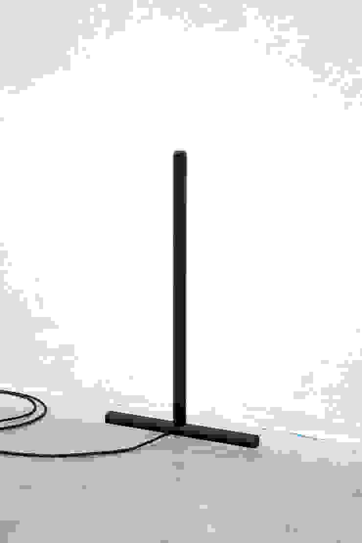 Inutile, floor light van Daphna Laurens Minimalistisch