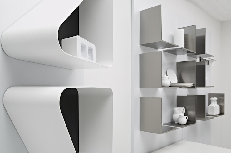 Magnetika system - mensole di Ronda Design Moderno