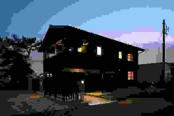 窓のあかり ラスティックな 家 の 篠田 望デザイン一級建築士事務所 ラスティック