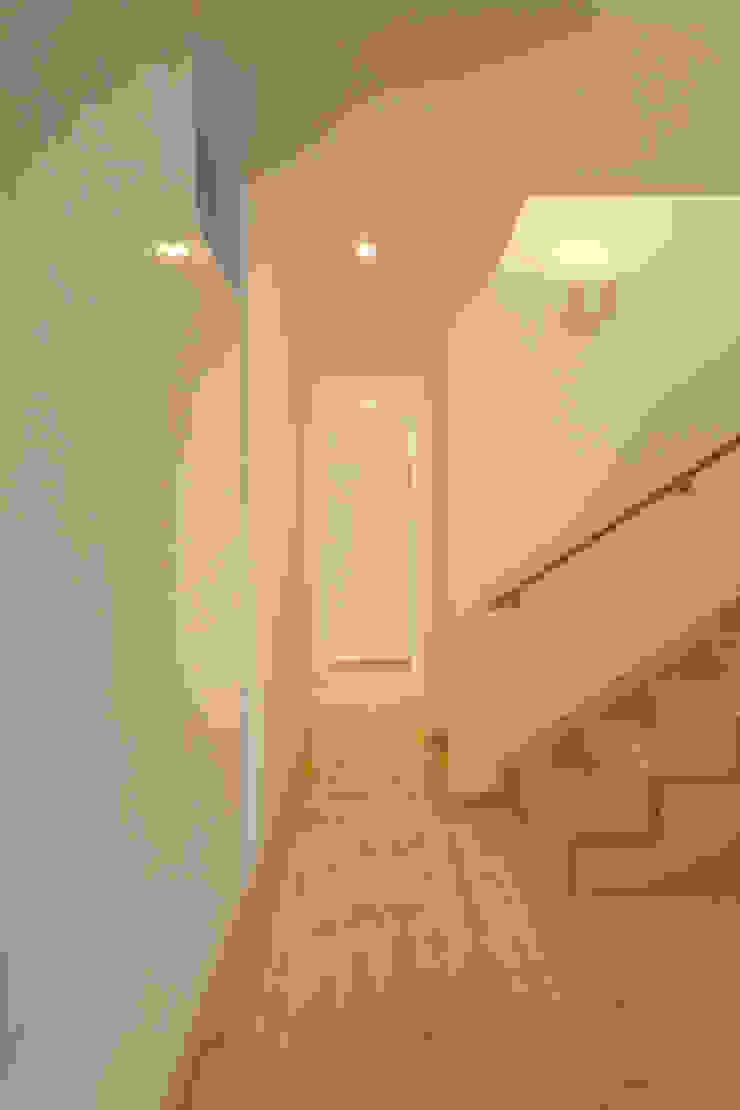 壁仕上げ ラスティックスタイルな 壁&床 の 篠田 望デザイン一級建築士事務所 ラスティック