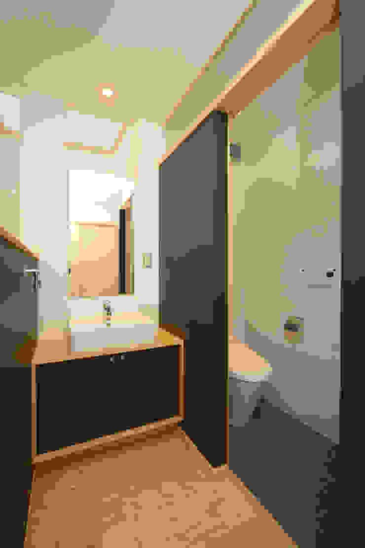 昼用の手洗いコーナー ラスティックスタイルの お風呂・バスルーム の 篠田 望デザイン一級建築士事務所 ラスティック